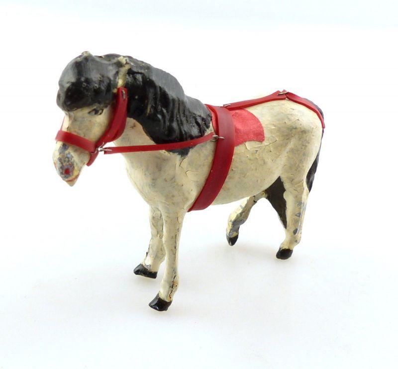 E9399 Antikspielzeug Tier Masse Figur Lineol Pony weiß mit Zaumzeug