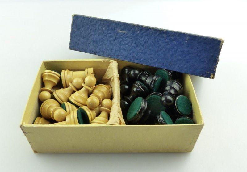 E9515 Wunderschöne alte Schachspiel Figuren aus Holz gefertigt mit Filzfuß 11