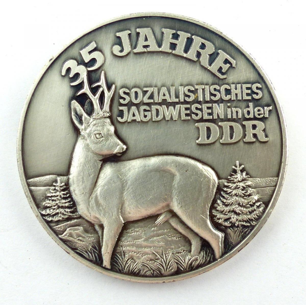 E9510 Medaille 35 Jahre sozialistisches Jagdwesen DDR gewidmet J.G. Obervogtland