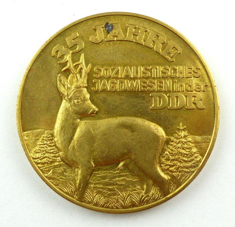 E9486 DDR Medaille 35 Jahre sozialistisches Jagdwesen in der DDR goldfarben