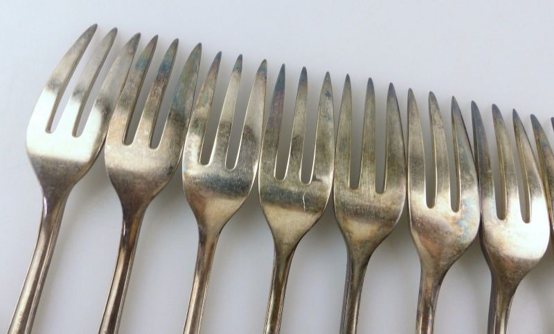 #e7403 12 tolle alte versilberte Kuchengabeln von WMF 90er Silberauflage 4