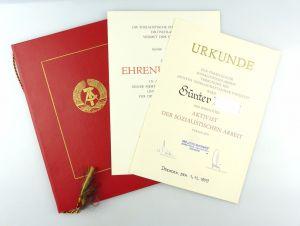 #e6622 Große Urkundenmappe + 2 Urkunden Aktivist der sozialistischen Arbeit 1979