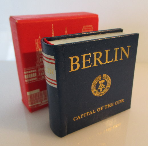 Minibuch: Berlin capital of the GDR Buch in englischer Sprache bu0141 0