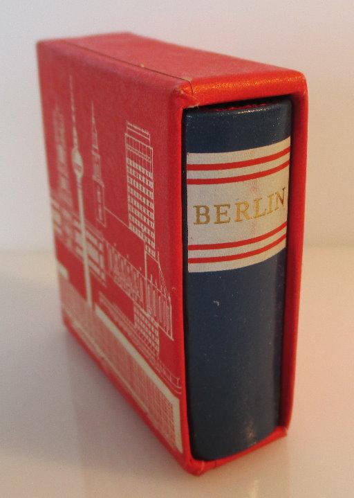 Minibuch: Berlin capital of the GDR Buch in englischer Sprache bu0141 1