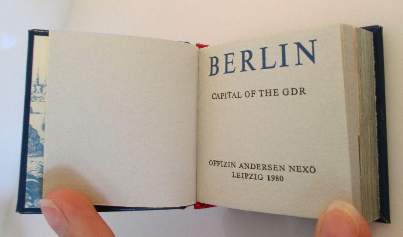Minibuch: Berlin capital of the GDR Buch in englischer Sprache bu0141 2