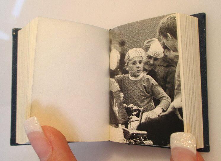 Minibuch Jugendgesetz der DDR überreicht von Egon Krenz Zentralrat FDJ bu0139 4