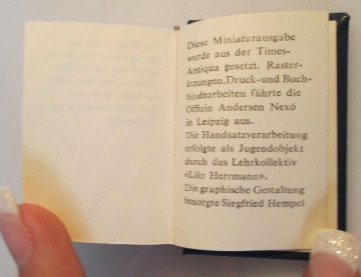 Minibuch:Jugendgesetz der DDR überreicht von Egon Krenz Zentralr. der FDJ bu0139 5