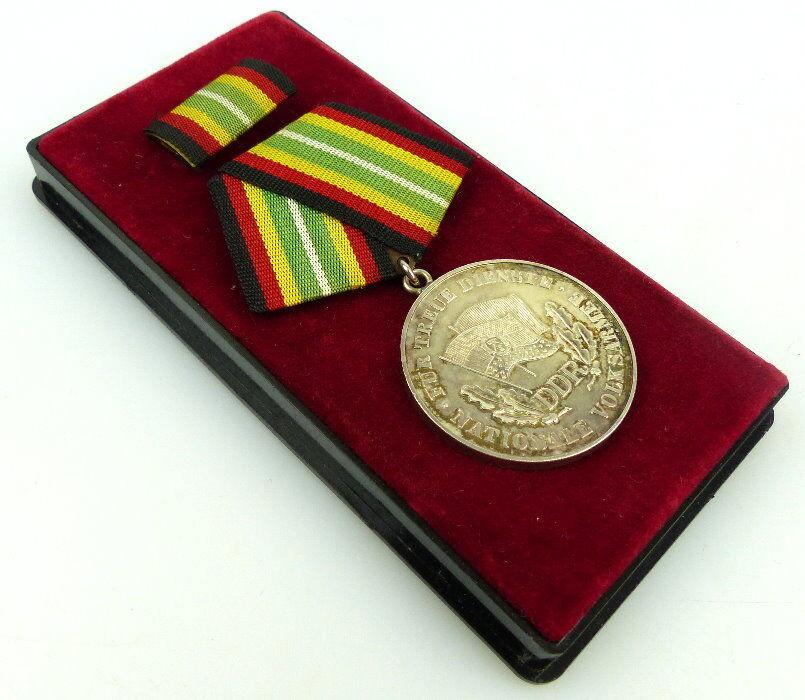 Medaille für treue Dienste NVA Stufe Gold 900 Silber Band I Nr. 150d, Orden913
