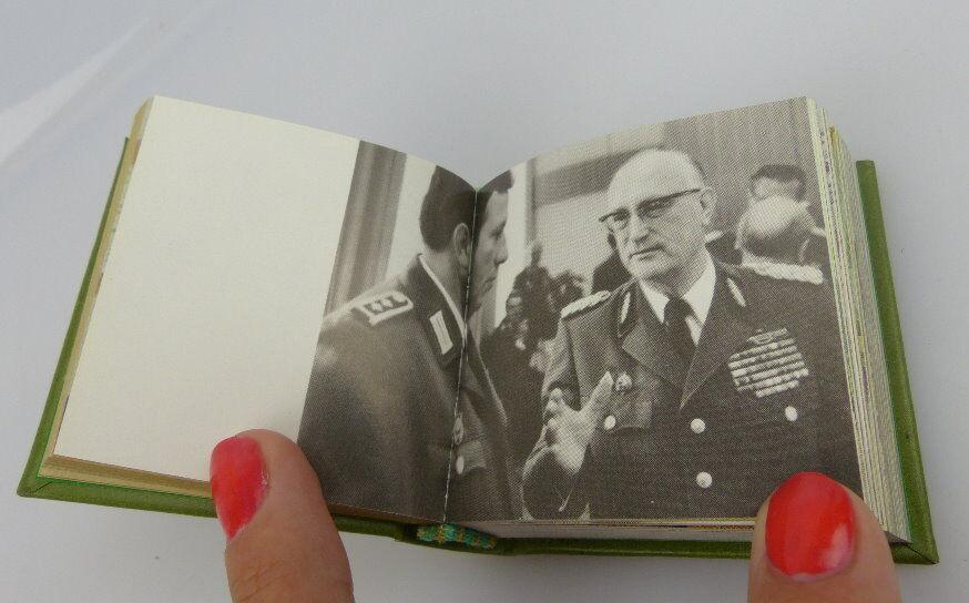 Minibuch: Die Volkspolizei Offizin Andersen Nexö Leipzig mit Signatur bu0299 4