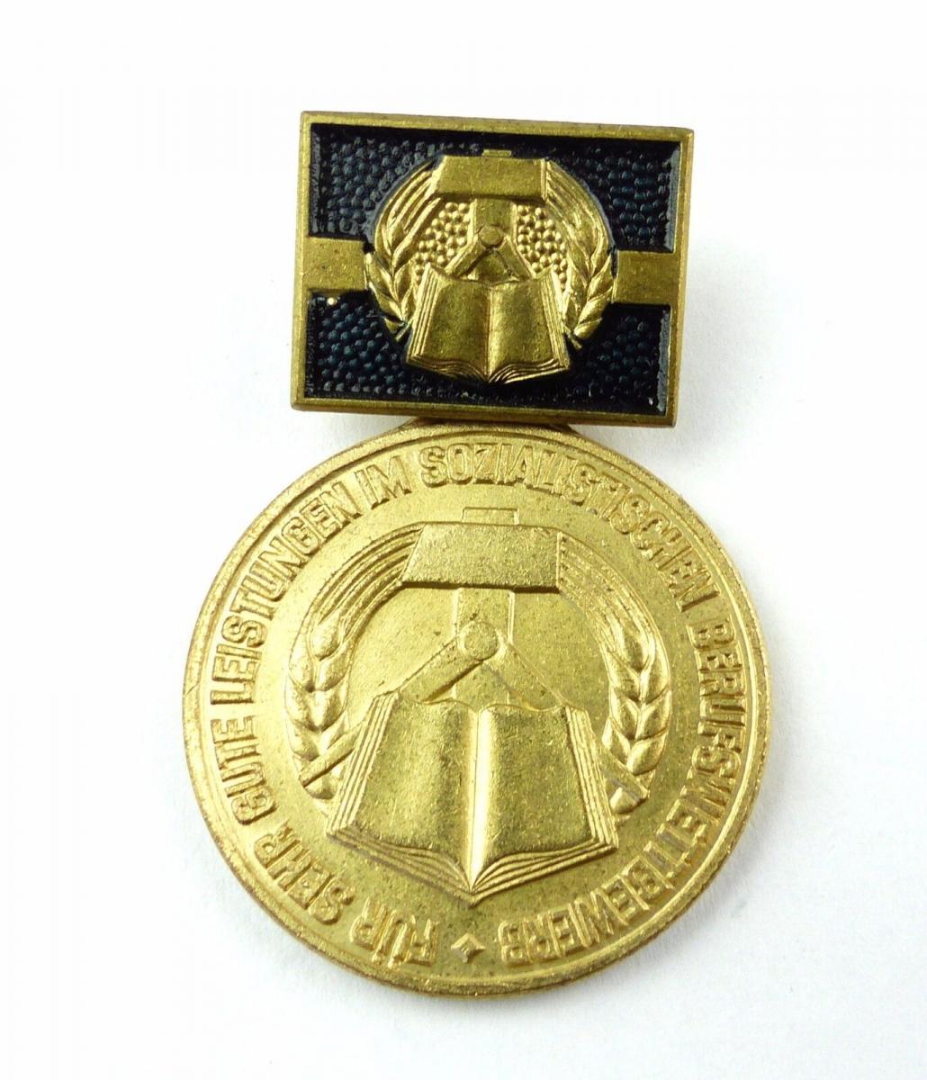#e7784 Medaille für sehr gute Leistungen im sozialistischen Berufswettbewerb DDR