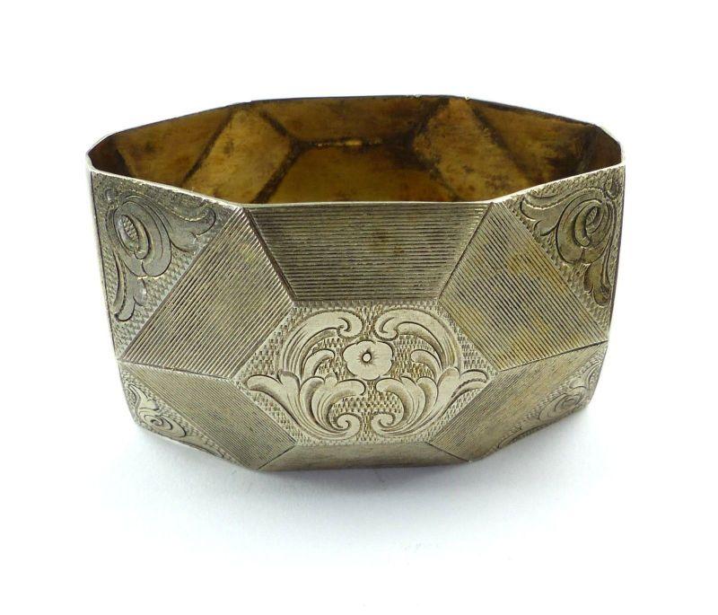 E9695 Ausgefallener Serviettenring aus 835 Silber mit Gravur Helga