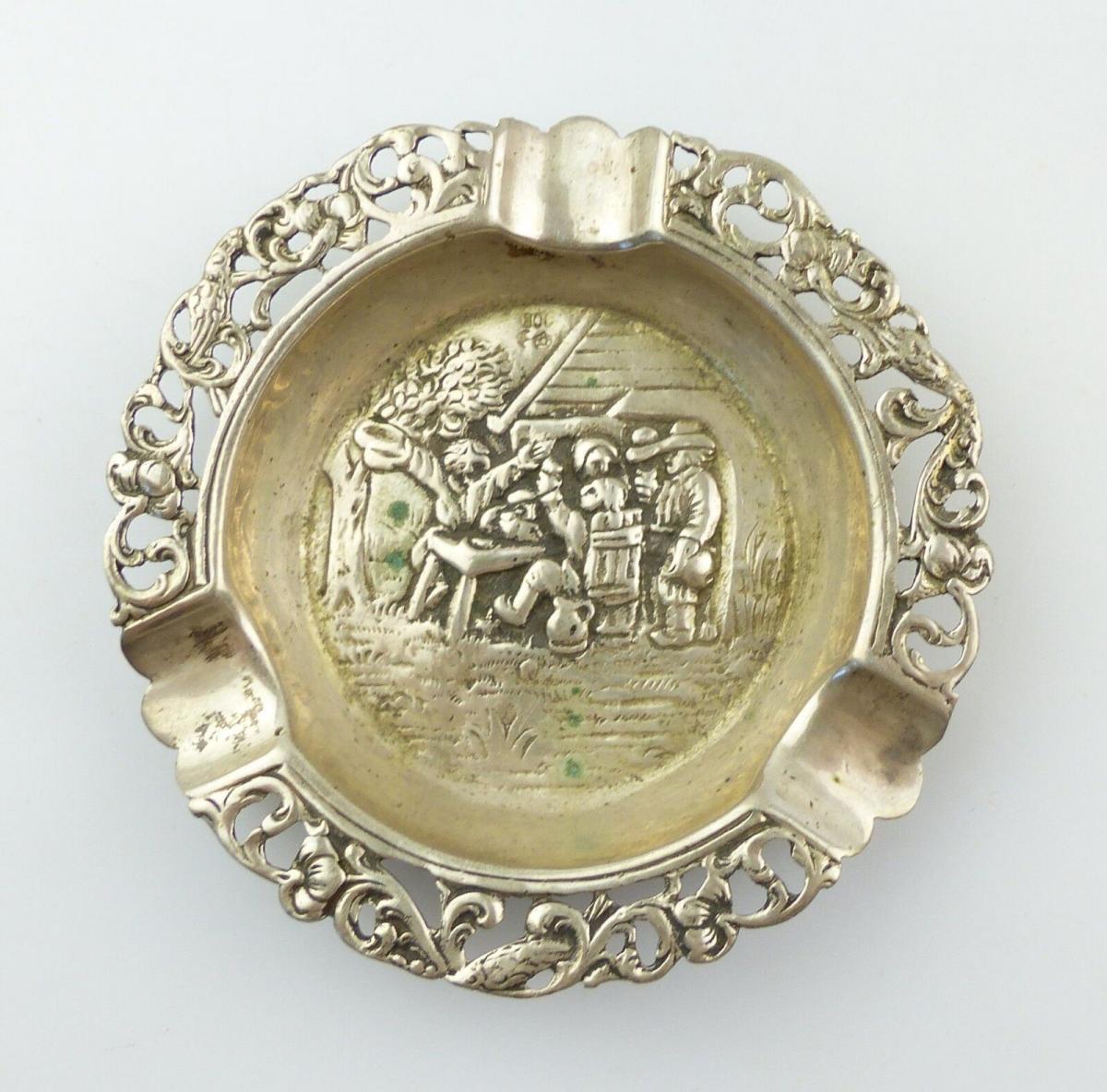 #e8565 Feiner Aschenbecher aus 800 (Ag) Silber Dorfkneipen-Szene aus Gründerzeit