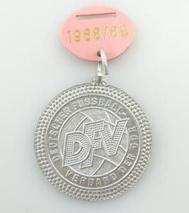 E9650 DDR Medaille 1988 Deutscher Fußball Verband DFV Kreismeister Bezirk Halle