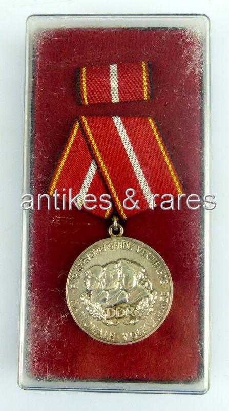 Verdienstmedaille der Nationalen Volksarmee in Silber, Punze 4,  Band I Nr. 146d