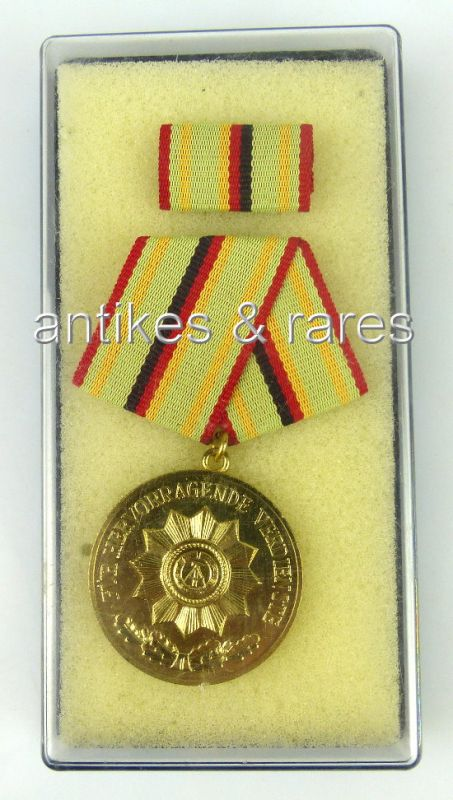 Verdienstmedaille Organe des Ministerium des Innern in Gold, Band 1 Nr. 211c