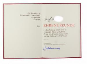 #e6879 DDR Ehrenurkunde für mehr als 40 jährige Arbeit bei der SED Berlin 1986