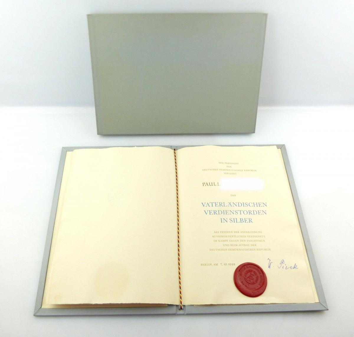 E9872 DDR Urkunde VVO Silber mit Lacksiegel und Original Unterschrift Pieck 1959