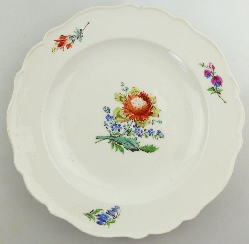 E9828 Alter Meissen Marcolini Teller mit Blumen Ø 24,2 cm