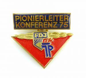 #e5709 Anstecknadel DDR Abzeichen Pionierleiter Konferenz 75 FDJ Jungpioniere