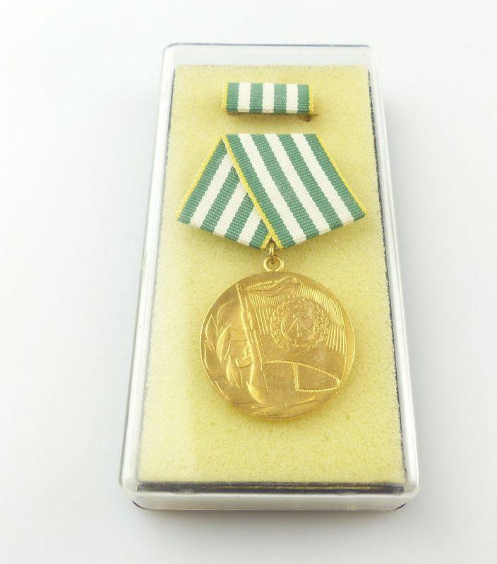 #e4638 Verdienter Angehöriger der Grenztruppen der DDR B. Nr. 106 a (1976)