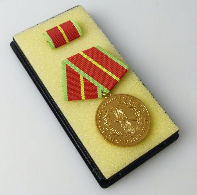 Verdienstmedaille der Grenztruppen der DDR ,VGL. Band I Nr.280 c  / r264
