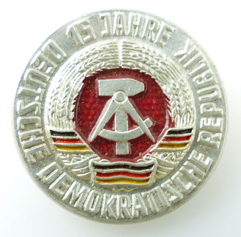 #e2372 vgl. Band IV S.176, Nr.1930 Abzeichen 15 Jahre DDR