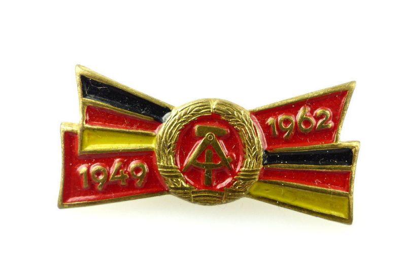 #e2369 13 Jahre DDR, Abzeichen vgl. Band IV S.175, Nr.1927