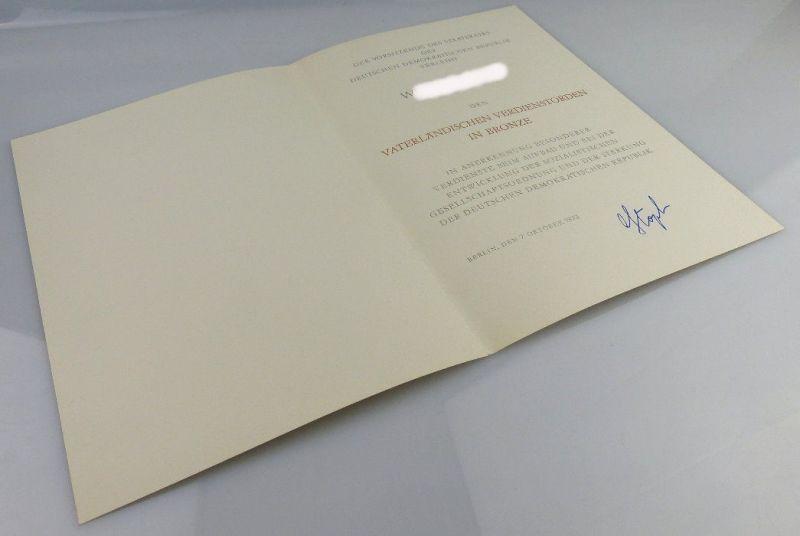 Urkunde: Vaterländischer Verdienstorden in Bronze, verliehen 1973, Orden1901