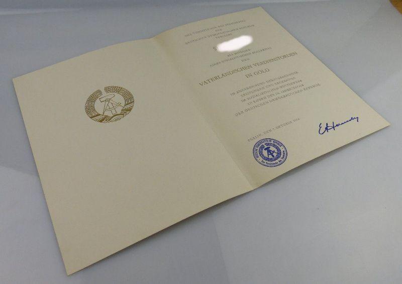 Urkunde: Vaterländischer Verdienstorden in Gold, verliehen 1984, Orden1900