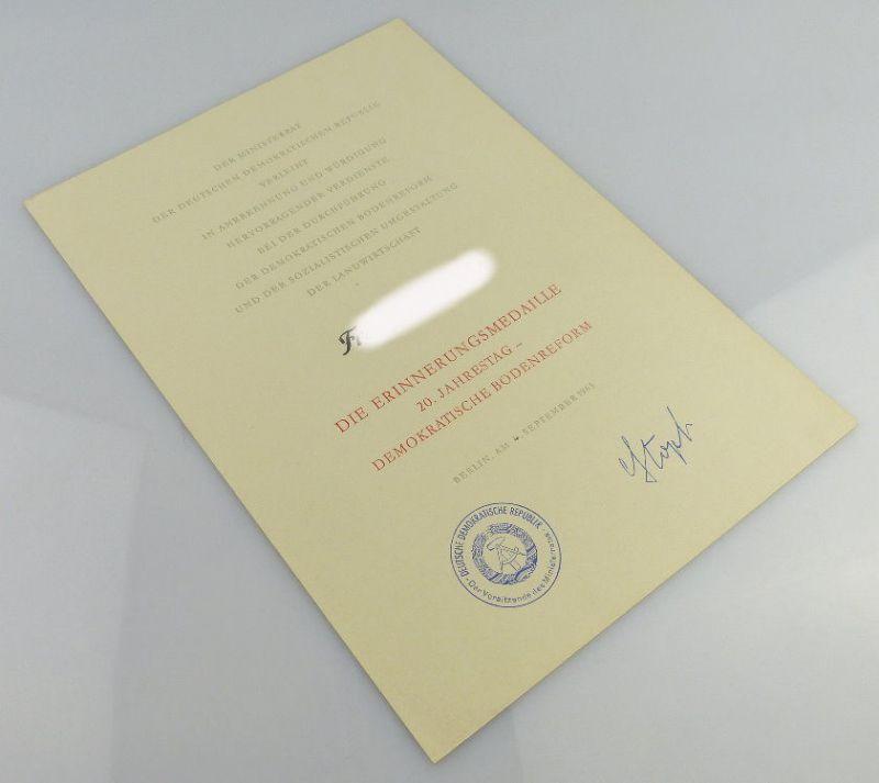 Urkunde: Erinnerungsmedaille 20. Jahrestag Demokratischen Bodenreform, Orden1896