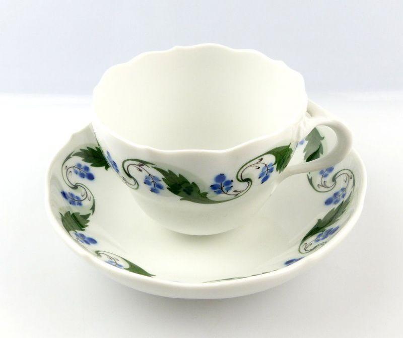 #e4324 Meissen Tasse mit Untertasse Mahagonienranke, grün, Früchte, 2. Wahl