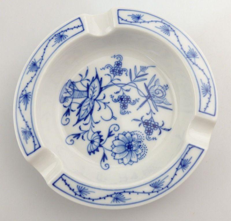 #e8569 Meissen Porzellan Aschenbecher neuwertig mit Zwiebelmuster Hausmalerei