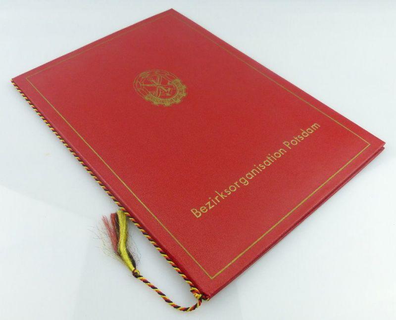 2 Urkunden: Schießwettbewerb goldene Fahrkarte 1976 im MfAA, Für akti, Orden1891 0