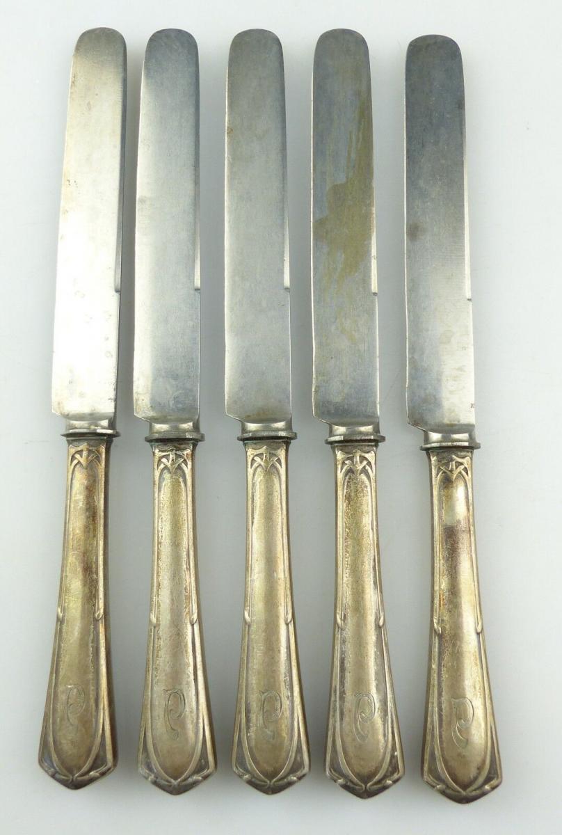 E10282 5 Jugendstil Messer mit Griffen aus 800er Silber und Ziermonogramm