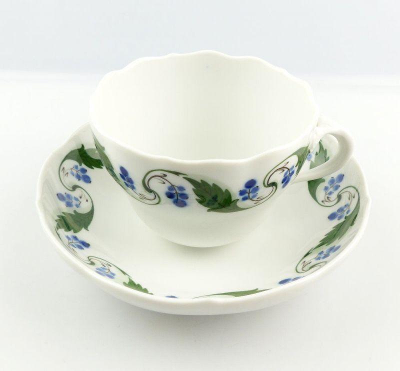 #e4322 Meissen Tasse mit Untertasse Mahagonienranke, grün, Früchte, 2. Wahl