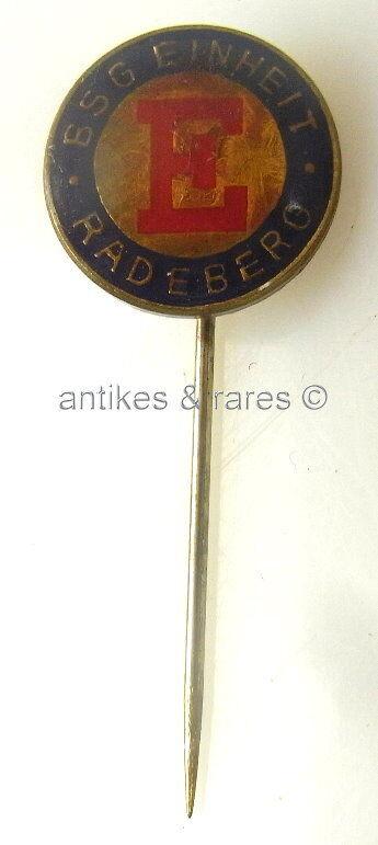 Original alte DDR Fußball Anstecknadel BSG Einheit Radeberg