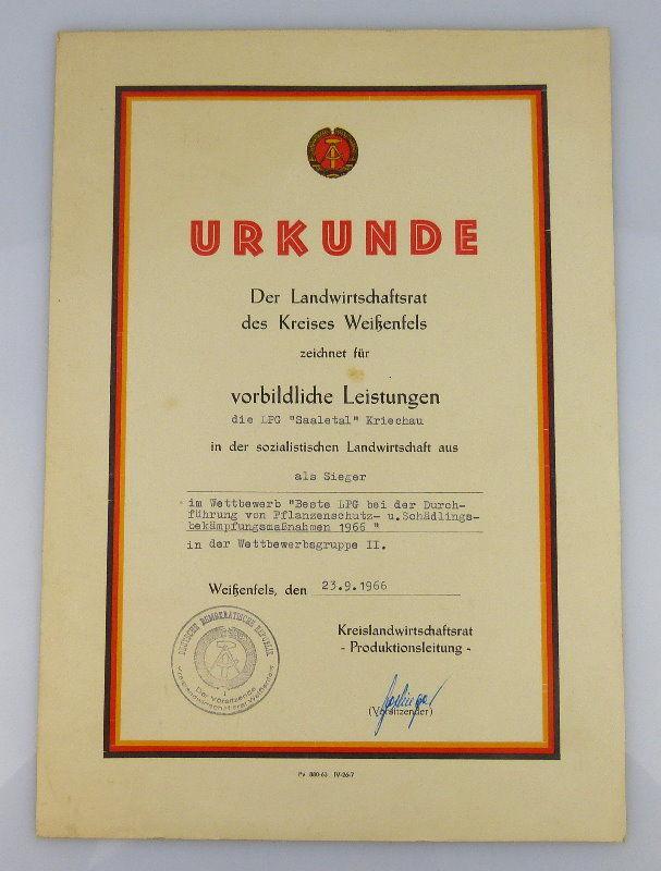 Urkunde Sieger vorbildliche Leistungen LPG Saaletal Kriechau 1966 Orden2005