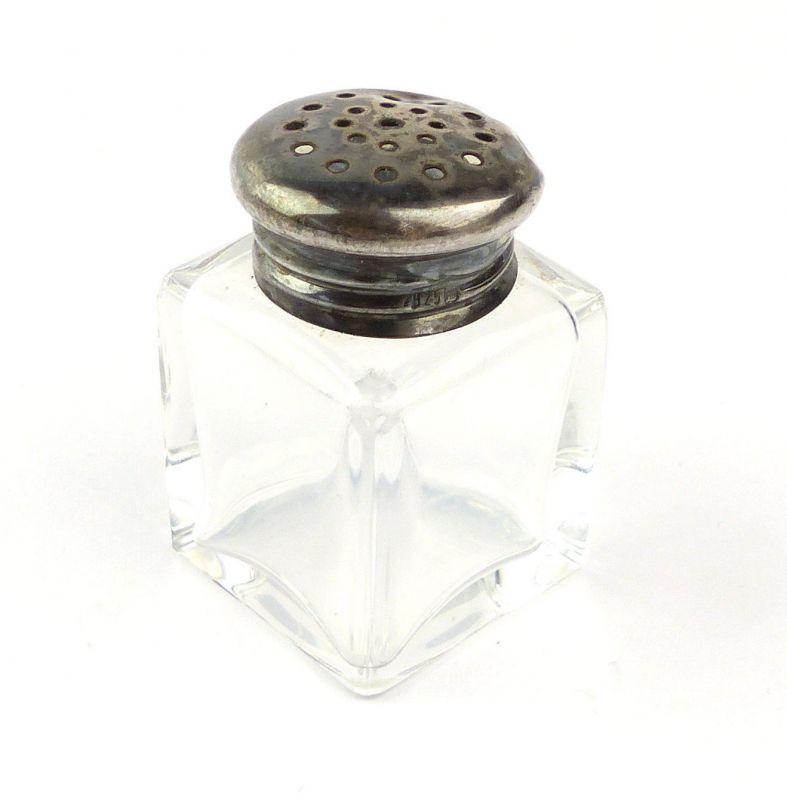 E10300 Kleiner Salzstreuer aus Kristallglas mit Deckel aus 925er Silber
