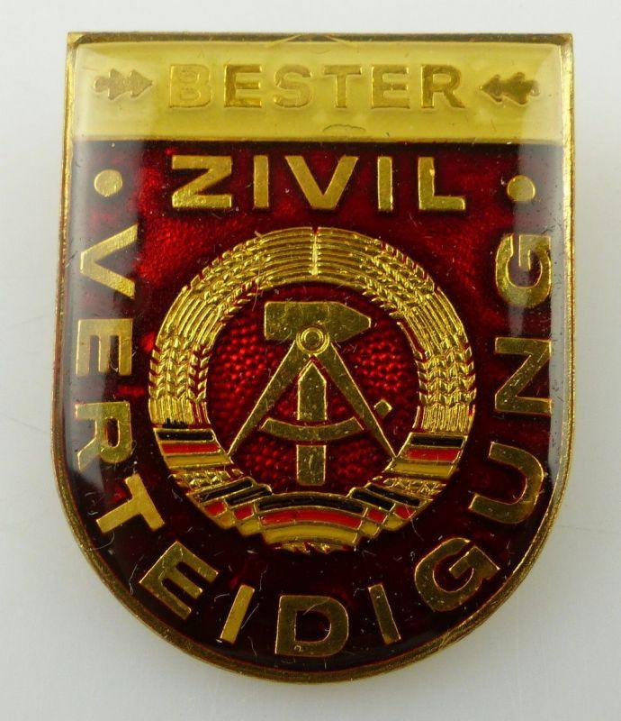 Bestenabzeichen Bester Zivilverteidigung vgl. Band II Nr. 671 Orden3094