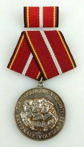 Verdienstmedaille der NVA in 900 Silber vgl Band I Nr. 146 d Punze 4, Orden1203