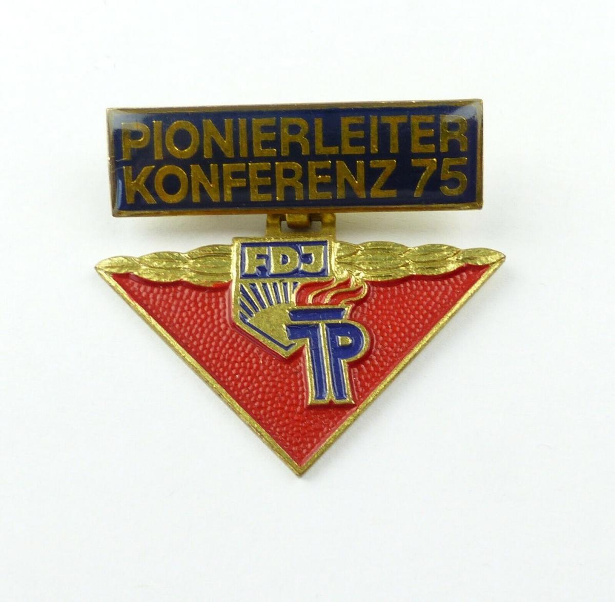 E10550 Original altes DDR Abzeichen Pionierleiter Konferenz 1975 FDJ JP 0