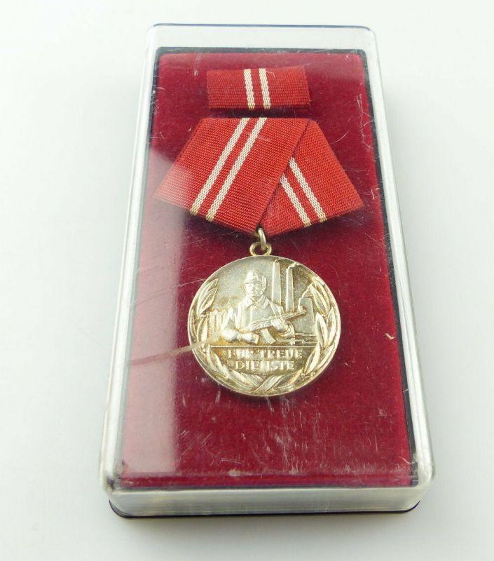 #e4642 Medaille für treue Dienste in den Kampfgruppen der Arbeiterklasse 1973-78