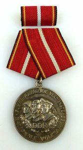 Verdienstmedaille der NVA in 900 Silber vgl Band I Nr. 146 d Punze 4, Orden1201