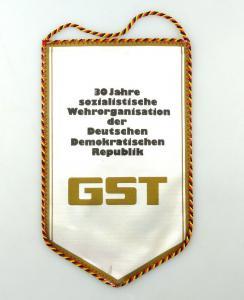 E10817 Alter Wimpel 30 Jahre GST sozialistische Wehrorganisation der DDR