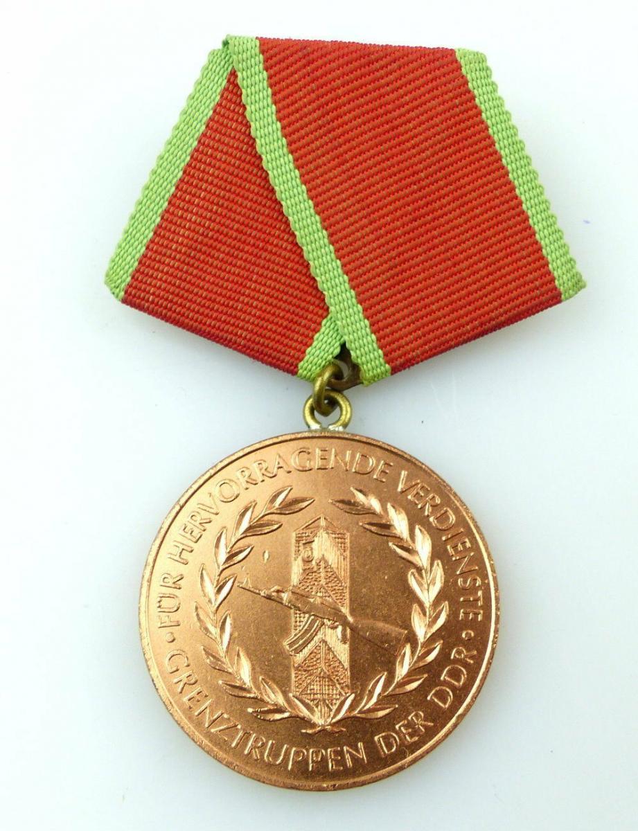 #e2694 Verdienstmedaille der Grenztruppen der DDR 1977-87 Band I Nr.282a Bronze