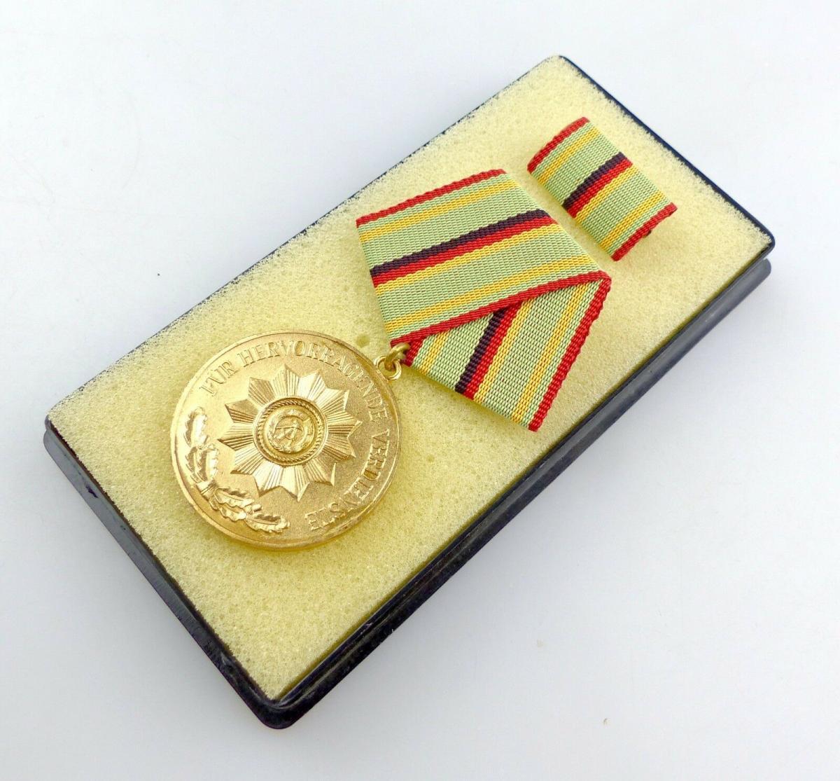 #e5592 Verdienstmedaille der Organe des Ministeriums des Innern in Gold Nr. 211