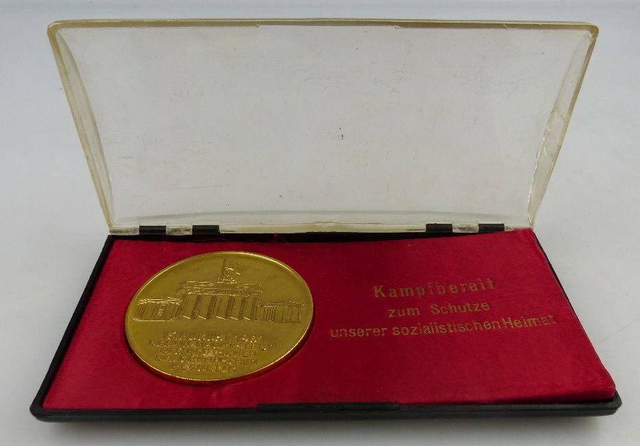 Medaille Kampfbereit zum Schutze unserer sozialistischen Heimat Orden1704