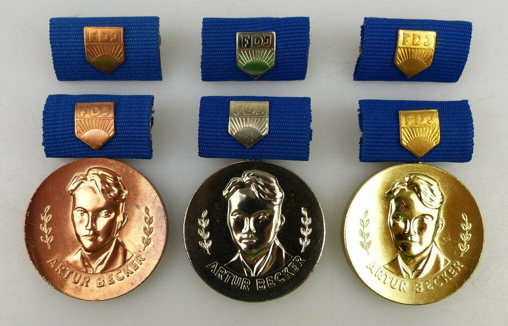 3 Artur Becker Medaillen Bronze, Silber, Gold, Orden1092