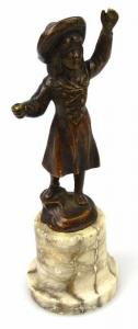 Original alte Bronze Mädchen mit Hut hinten signiert un063