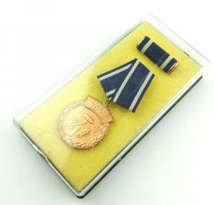 #e3794 Verdienter Meister in Bronze 1972 - 1989 verliehen vgl. Band I Nr. 65 c